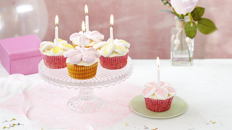 Happy Birthday Marshmallow Cupcakes