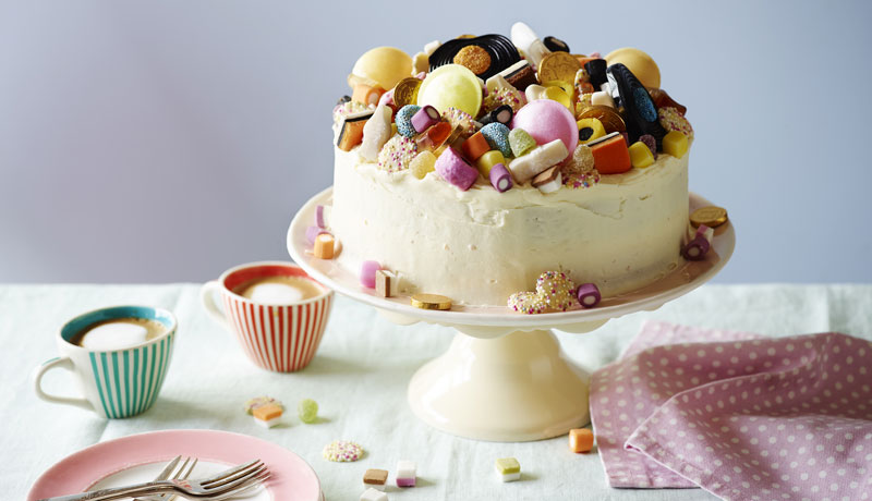 Vanilla Icing Cake with Retro Sweets