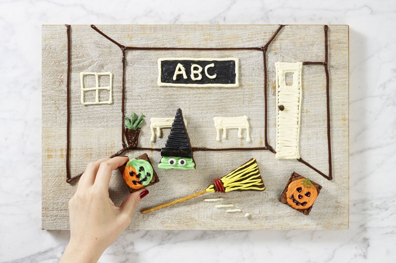 Color Changing Pumpkin Story Decoration