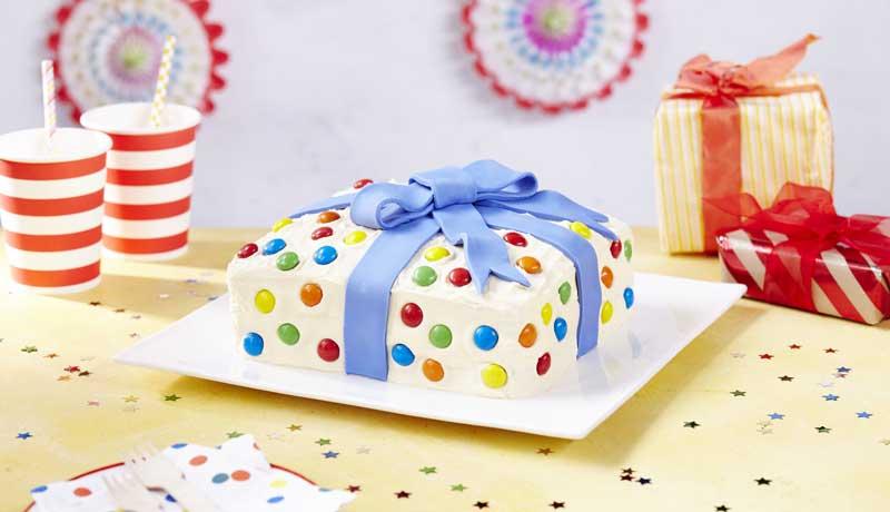 Excellent Birthday Present Cake Design Idea Recipe Betty Crocker Uk Funny Birthday Cards Online Chimdamsfinfo