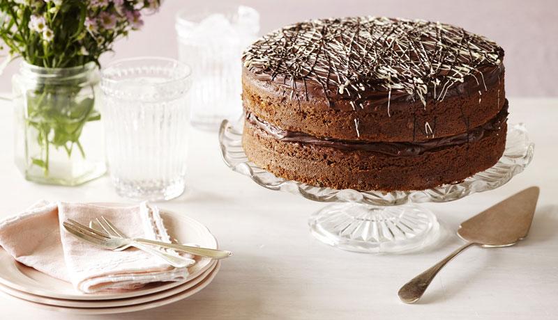 Chocolate Wedding Cake Recipes Uk: Chocolate Chip Sponge Cake