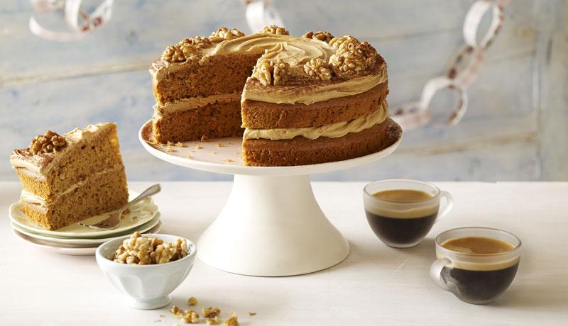 Quick Easy Coffee Walnut Cake Easy Cakes Betty Crocker